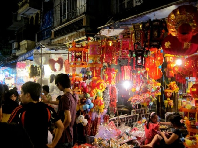 Night market in Vietnam